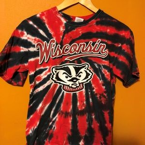 YOUTH UNIVERSITY OF WISCONSIN BUCKY BADGER T-SHIRT